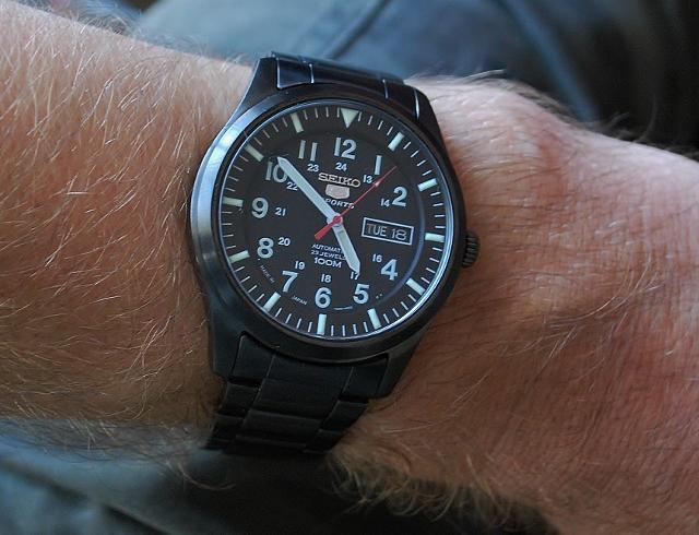 Wts Seiko 5 Watch Glow Snzg17k1